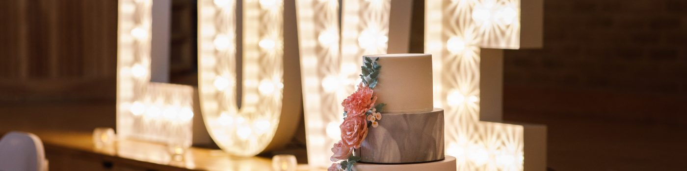 Contact The Cake Witch - Kent Wedding Cakes