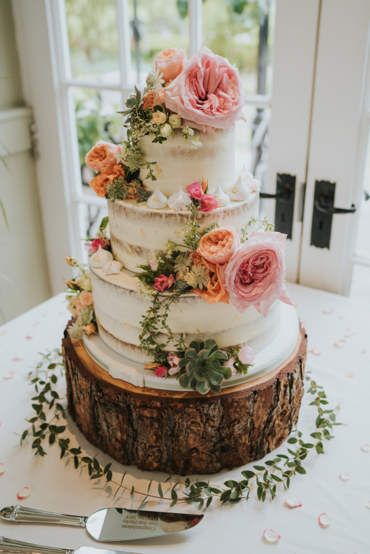 The Cake Witch @ Secret Garden Kent. Photo Credit: Grace Elizabeth Photography